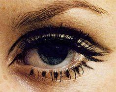 Twiggy and Edie's eyes make-up 1960s Makeup, Twiggy Makeup, Retro Makeup, Vintage Makeup, Twiggy Hair, Mod Makeup, Makeup Inspo, Makeup Inspiration, Beauty Makeup