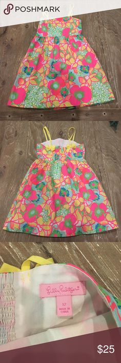 Pretty Lilly dress Good condition!!!! Lilly dress the color still bright :) Lilly Pulitzer Dresses Casual