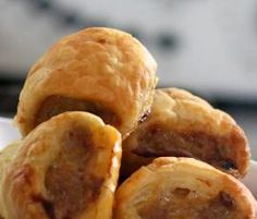 Healthy Sausage Rolls for Thermomix Savory Snacks, Savoury Dishes, Healthy Snacks, Healthy Recipes, Savoury Baking, Lunch Snacks, Party Snacks, Healthy Kids, Lunches