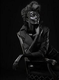 Black | 黒 | Kuro | Nero | Noir | Preto | Ebony | Sable | Onyx | Charcoal | Obsidian | Jet | Raven | Color | Texture | Pattern | Styling | Fashion | Glossy Skin | Matte Clothes | Woman | Art | Photographer Paco Peregrín