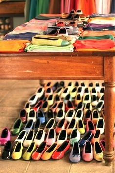 Handmade Kokua flats from Barcelona. In every color of the rainbow.