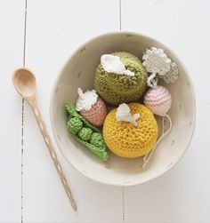 has created these crochet pieces of fruit with DMC Just Natura Cotton. Crochet Bowl, Creations, Embroidery, Photo And Video, Create, Cotton, Handmade, Diy, Instagram