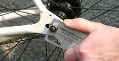 Broke Bike Alley propose une carte de visite originale | Fixie Singlespeed, infos vélo fixie, pignon fixe, singlespeed.