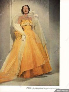 Sophie Malgat in Jacques Fath, 1951 Vintage Gowns, Mode Vintage, Vintage Outfits, Vintage Evening Gowns, Vintage Clothing, Jacques Fath, Fifties Fashion, Retro Fashion, Club Fashion