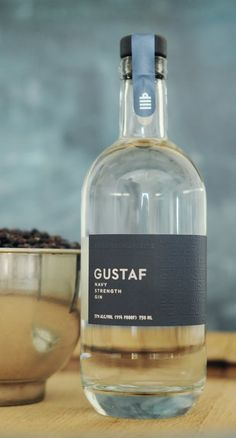 Gustaf Navy strenght gin. 57 % ABV. Navy strenght. Made from non-GMO AC Hazlet Winter Rye, planted and harvested by the distiller. Every step of production – milling, mashing, fermenting, distilling and bottling – is done by hand. Gustaf's 11 botanicals (including Meyer lemon, grains of paradise, fennel, coriander and meadowsweet) are individually sorted into unbleached muslin bags and distilled separately, then carefully portioned into the master blend.