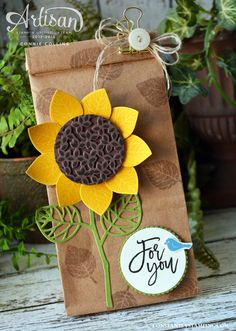 Thoughtful Branches Sunflower Bag by SouthernBellStamper - Cards and Paper Crafts at Splitcoaststampers Creative Gift Wrapping, Creative Gifts, Decorated Gift Bags, Sunflower Cards, Fall Cards, Stampin Up Cards, Craft Gifts, Paper Flowers, Cardmaking