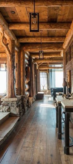 Check Out Beautiful Rustic Hallway Designs That Will Inspire You. Rustic hallway ideas that will make your journey through the house a tad bit more enjoyable. Deco Design, Design Case, Design Design, Log Cabin Homes, Log Cabin Siding, Log Cabin Exterior, Cabin Interiors, Cabins And Cottages, Stone Cottages