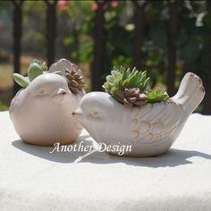 Barato 2 unidades/pacote vasi Pássaro vaso de cerâmica de decoração para casa vaso de flor vaso decoração do jardim plantadores potes maceteros decorativos, Compro Qualidade Vasos diretamente de fornecedores da China: 2 unidades/pacote vasi Pássaro vaso de cerâmica de decoração para casa vaso de flor vaso decoração do jardim plantadores potes maceteros decorativos Clay Birds, Ceramic Birds, Ceramic Animals, Ceramic Planters, Ceramic Clay, Planter Pots, Clay Design, Design Crafts, Papercrete