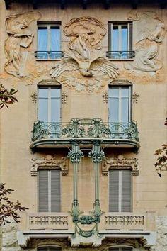Italian Liberty, Art Nouveau. Casa Maffei in Montevecchio Boulevard in Turin, photo by Cristina Ortolani