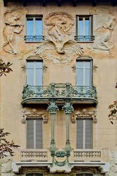 Italian Liberty, Art Nouveau. Casa Maffei in Montevecchio Boulevard in Turin, photo by Cristina Ortolani