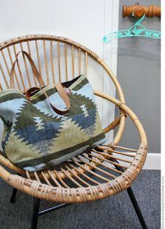 pour mes jolis mômes, mais pas que...: Mon sac navajo - http://www.dailymotion.com/video/x17vd8b_une-vieille-veste-recyclee-en-sac-ethnique_lifestyle