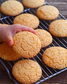 Image may contain: food Baking Recipes, Cookie Recipes, Pasta Cake, Bread Kitchen, Mantecaditos, Sweet Cookies, Tasty, Yummy Food, Pastry Shop