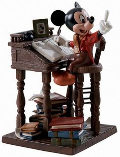 WDCC Mickeys Christmas Carol Mickey Mouse Ernest Employee