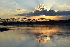 Toruń: most Józefa Piłsudskiego; autor zdjęcia: Jessica M (http://www.flickr.com/photos/jessi-photography/8102421610/)