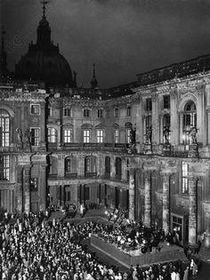 1934 Stadtschloss,Schlueterhof-Konzert