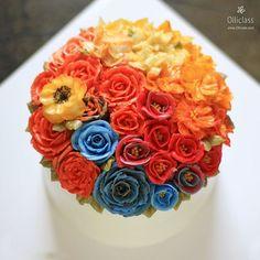 비가 내리는 수요일엔 빨간장미를,  Done by student  #buttercreamflowercake #flowercake #buttercreamflower #koreanstylecake #ollicake #olliclass #olligram #peony #rose #ranunculus #colorlesson #blossom #bouquet #wreath #carrotcake #weddingcake #partycake #vividcolors #버터크림플라워케이크 #플라워케이크  #올리케이크 #올리클래스 #컬러렛슨 #당근케이크 #케익스타그램 #꽃스타그램 #동편마을 #since2008  www.ollicake.com ollicake@naver.com