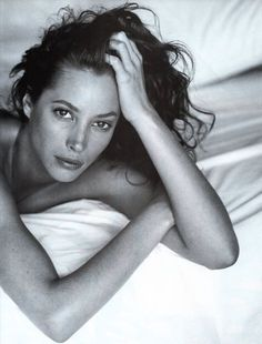 "If you truly want to make an impact on the world, you can and you will."" -Christy Turlington *Christy Turlington by Sante D'Orazio for Vogue Italia September 1993 Christy Turlington, Boudoir Photos, Boudoir Photography, Portrait Photography, Fashion Photography, 1990 Style, Foto Fashion, Vogue Fashion, Foto Instagram"