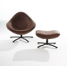 Easy chair Hidde in combination with the hocker. Both in Rex leather.