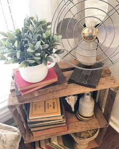 Farmhouse-style vignettes | The Rustic Boxwood | farmhouse styling, farmhouse decor, farmhouse decorating ideas, old crates, interior decorating, greenery, vintage, old books, decorating, home decor