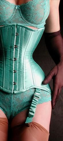 *Formes que j'aime* Corset by Miss Nice Corsets (Sue Nice)