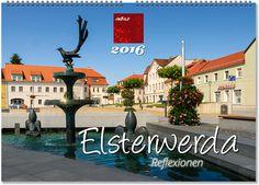 """Elsterwerda, die kleine Stadt mit großem Flair, befindet sich im Süden Brandenburgs, direkt an der Grenze zum Freistaat Sachsen. Der eher industriell geprägte Ort lockt durch seine Lage im Naturpark """"Niederlausitzer Heidelandschaft"""" aber auch mit interessanten Sehenswürdigkeiten, wie mehreren kunstvoll gestalteten Brunnen, einer Kunstgalerie oder einem Erlebnis- und Miniaturenpark.  ©ImBild Verlag"""