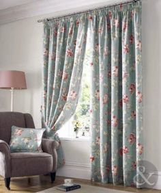#Cortinas fruncidas con estampado floral (Vintage) De la marca Just Contempo Apsley es este juego de cortinas (forradas fruncidas), diseño bordado con flor (juego de 2 cortinas)
