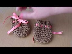 Como tejer a crochet manoplas para bebes-Unisex - YouTube Crochet Bebe, Easy Crochet Stitches, Mittens, Diy Gifts, Baby Shoes, Knitting, Kids, Unisex, Youtube