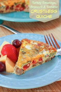 Turkey Sausage, Broccoli and Tomato Crustless Quiche makes - an easy, healthy, low carb and gluten free recipe for breakfast, brunch, or brinner | cupcakesandkalechips.com