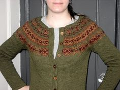 Patterns in grid format for a wide variety of gauges and sizes, pullovers or cardigans.