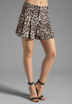 ALICE + OLIVIA High Waist Short in Leopard Print