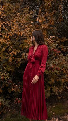 Uni Fashion, Seattle Fashion, Teen Fashion Outfits, Fall Outfits, Fashion Looks, Hippie Outfits, Modest Outfits, Sarah Butler, Under Dress