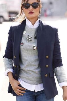 Business fashion – clothes for the office or a business lunch. Stylish outfit for business meetings Business Fashion – Clothing for the office or a business lunch. Stylish outfit for business meetings Fashion Mode, Look Fashion, Trendy Fashion, Winter Fashion, Womens Fashion, Fashion Trends, Classy Fashion, Fashion Ideas, Latest Fashion