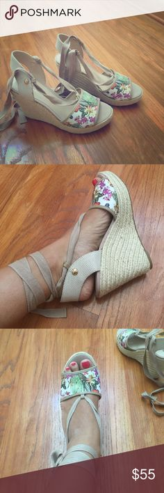 NWOT Guess wedges Beautiful summer wedges Guess Shoes Wedges