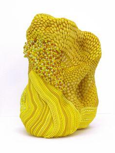 Angelika Arendt, Modelliermasse, Porzellan 19 x 14 x 11 cm