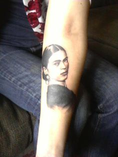 My homegirl Frida Frida Tattoo, Frida Kahlo Tattoos, Tattoo You, Tattoo Quotes, Frida Kahlo Diego Rivera, Cool Tats, Body Art Tattoos, Tatoos, Skin Art