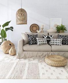 Australian coastal / beach style i hamptons style homes Australian Interior Design, Home Interior Design, Design Interiors, Home Decor Bedroom, Living Room Decor, Tribal Home Decor, Hamptons Style Homes, Luxe Decor, Lounge