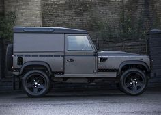 Land Rover Defender Chelsea Longnose by Kahn Design