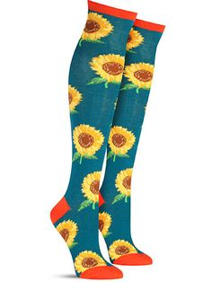 Nothing can brighten your day like a fresh bouquet of sunflowers can… and when you wake up already wearing them, you know you are off to a great start. These colorful blooms come in either purple or t