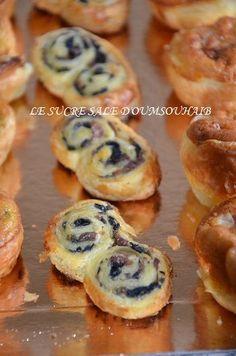 Palmier feuilleté aux olives Mini Burgers, Snack Recipes, Snacks, Recipe Images, Canapes, Ramadan, Love Food, Entrees, Sandwiches