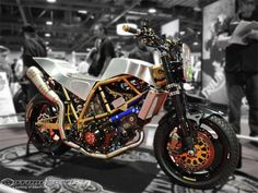 It's cool to see what the gang at Motogpwerks.com did with this Suzuki TL 1000R.