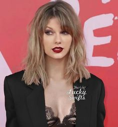 "( ☞ 2017 ★ CELEBRITY MUSIC WOMAN ★ TAYLOR SWIFT "" Country ♫ pop ♫ "" ) ★ ♪♫♪♪ Taylor Alison Swift - Wednesday, December 13, 1989 - 5' 10'' 120 lbs 35-24-35 - Reading, Pennsylvania, USA."