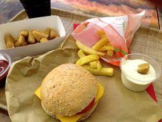 front food: Fast Food-Restaurant des 21. Jahrhunderts in Linz. Mitte November eröffnete in Linz, in der Pfarrgasse 20, das Fast...