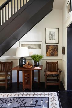 File Style: Mark Cunningham - % Architecture Details, Interior Architecture, Interior Design, Barn House Design, Neutral Walls, Natural Fiber Rugs, Foyer Decorating, Southwest Style, Ceiling Beams