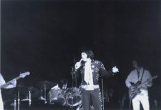 Elvis Presley  Boston, Massachusetts 1971 Boston Massachusetts, Elvis Presley, Memphis, Girlfriends, Hawaii, Concert, Concerts, Hawaiian Islands, Boyfriends