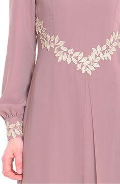 Abaya Fashion, Muslim Fashion, Modest Fashion, Fashion Dresses, Hijab Style Dress, Modele Hijab, Mode Abaya, Iranian Women Fashion, Sleeves Designs For Dresses