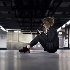 • Chick: @meetmarilyn. • Kicks: Nike Air Jordan 6 Infrared.
