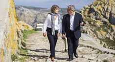 El comisario europeo Karmenu Vella ha destacado la contribución española a la Red Natura 2000 como una de las más importantes de toda Europa. Coat, Life, Paper, Spotlight, Europe, Sewing Coat, Coats, Peacoats