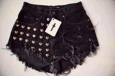 short destroyed  preto com tachas