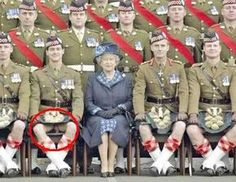 Gross Pictures: Queen and Scottish Soldiers Funny Memes, Hilarious, Funny As Hell, Urban Legends, Truth Hurts, Cute Gay, Adult Humor, Laugh Out Loud, I Laughed