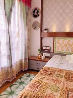 Ethnically styled home of Bhakti Earthy Home Decor, Bedroom Design, Home Room Design, Apartment Bedroom Decor, Indian Bedroom Decor, Home Decor, Eclectic Bedroom, House Interior, Home Decor Furniture
